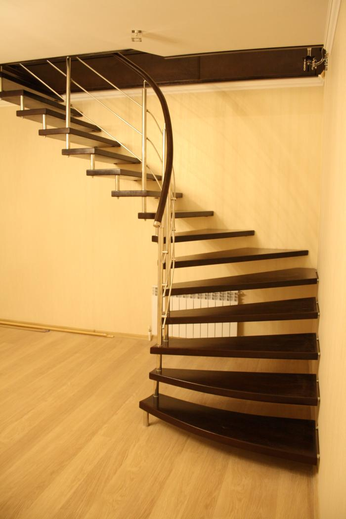 10 советов по оформлению и освещению лестницы в частном доме