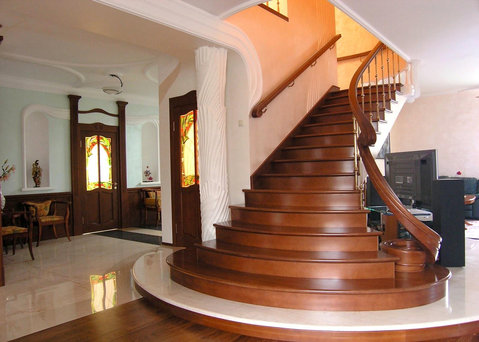 маршевая лестница в доме 2