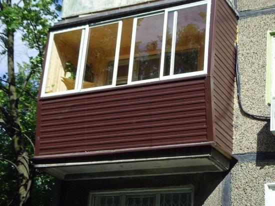 металлический сайдинг для внешней отделки балкона