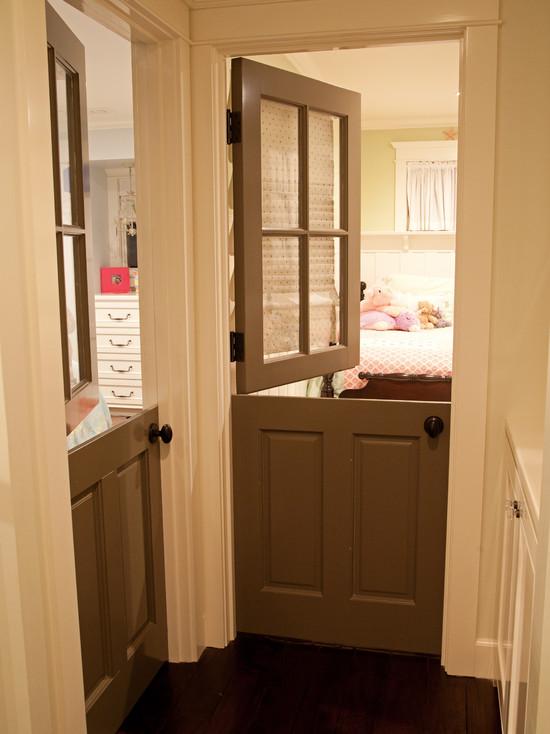 межкомнатная дверь конюшенная