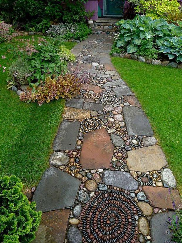 монтаж самодельных садовых плит