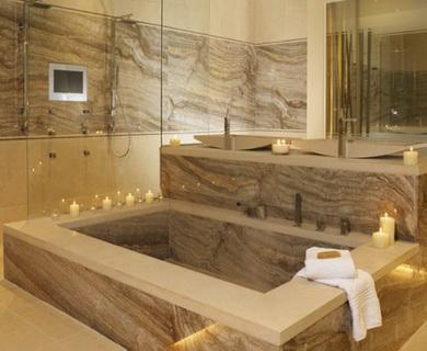 натуральный камень для отделки стен ванной комнаты