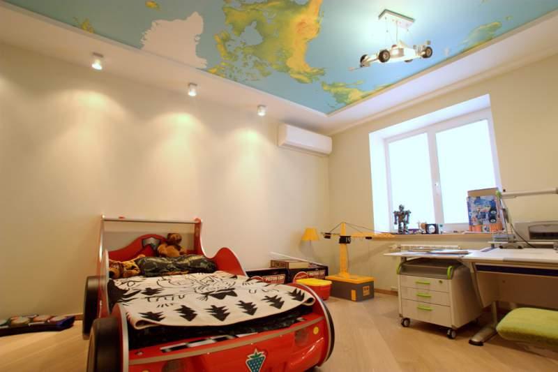 натяжной потолок в детской 3