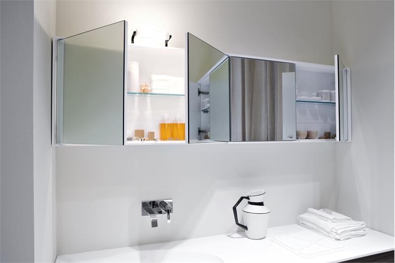 навесной шкаф в ванную комнату 2