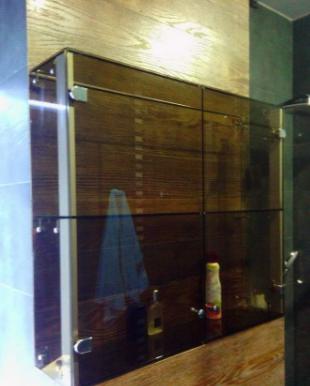 навесной шкаф в ванную стеклянный