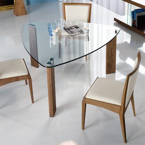 обеденный стол необычной формы