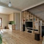 оформление пространства под лестницей 12