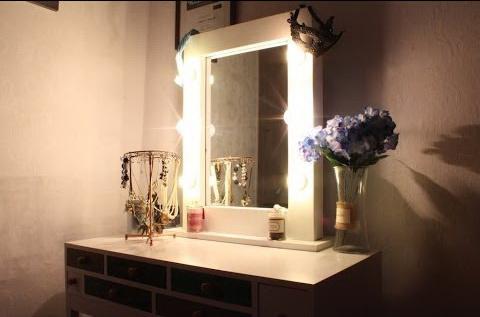 освещение зеркало в спальне