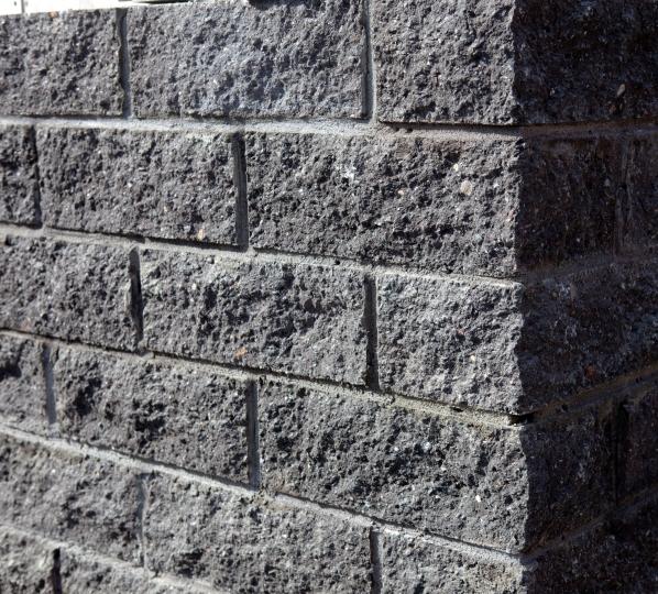 отделка фасада бетонным камнем