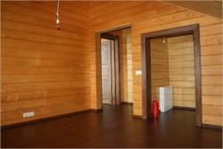 отделка лаком деревянных стен