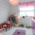 отделка стен в детской обоями 8