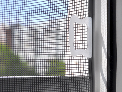 пластиковое окно москитная сетка