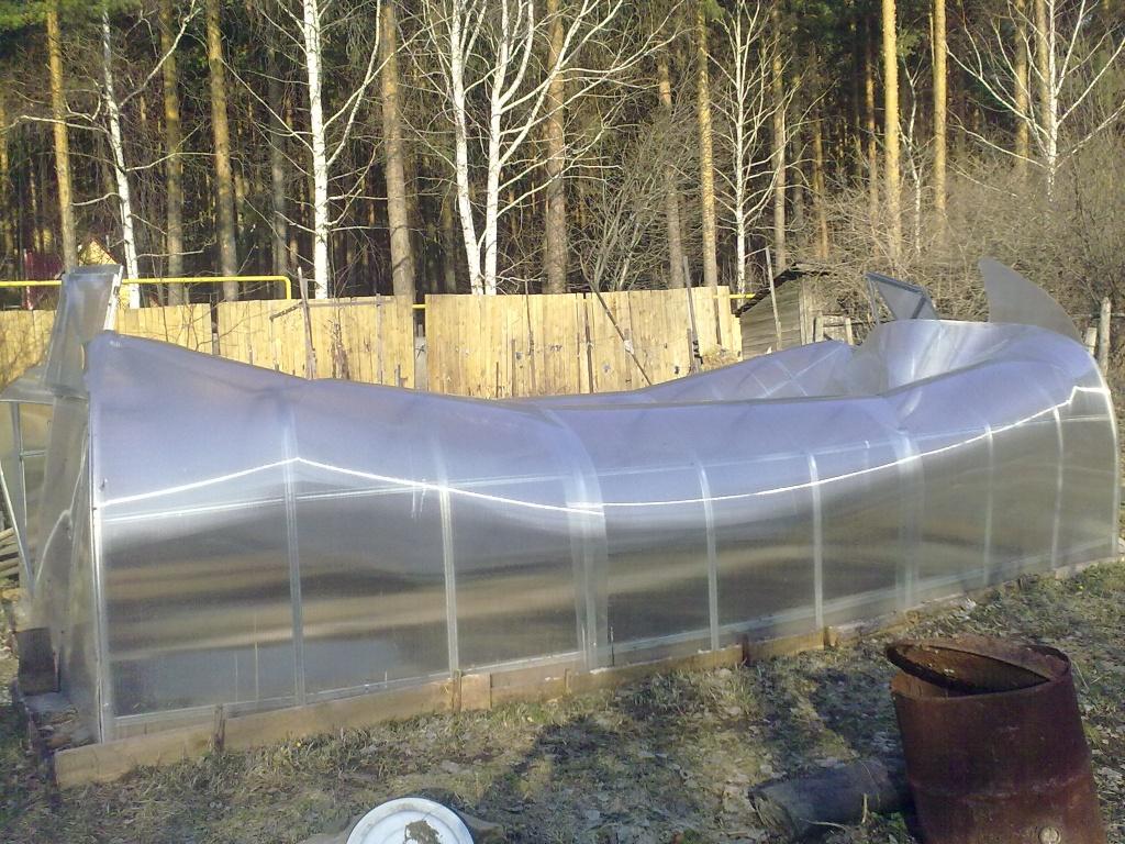 поликарбонат для теплицы некачественный 2