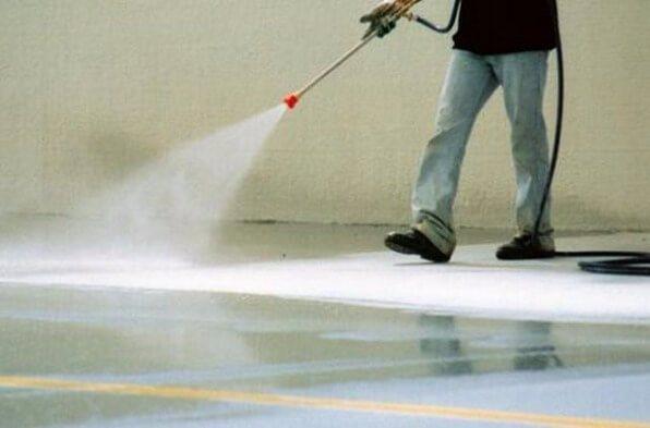 Отвердевание бетонного пола