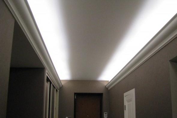 потолочный плинтус с подсветкой