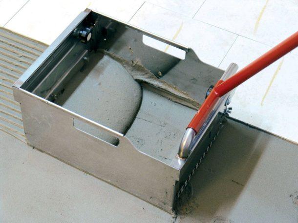 Устройство для нанесения клея на керамическую плитку