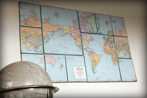 Несколько географических карт для декора стены