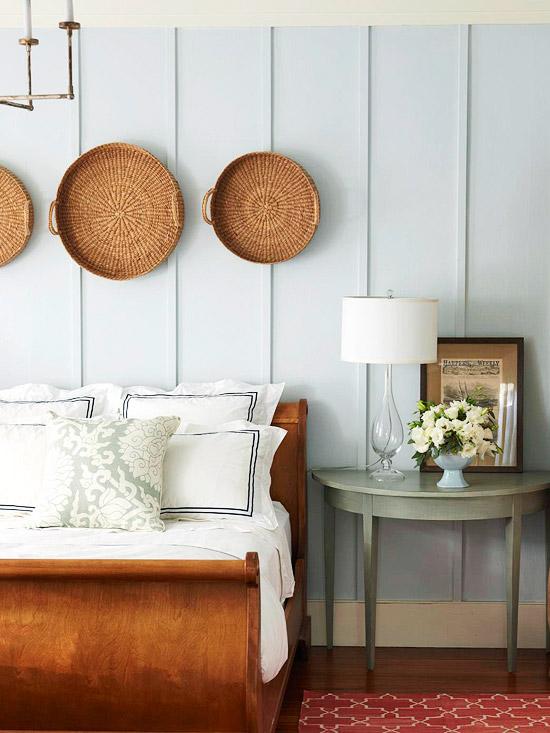Украшение стены плетёнными тарелками