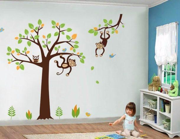 Декорирование стен в детской виниловыми наклейками