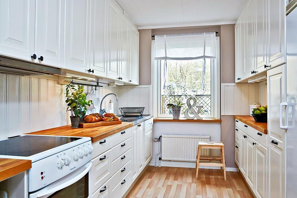 расположение мебели в кухне двурядное
