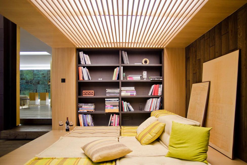 реечный потолок в спальне