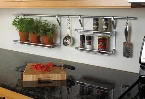 Рейлинги для кухни: советы по выбору и монтажу
