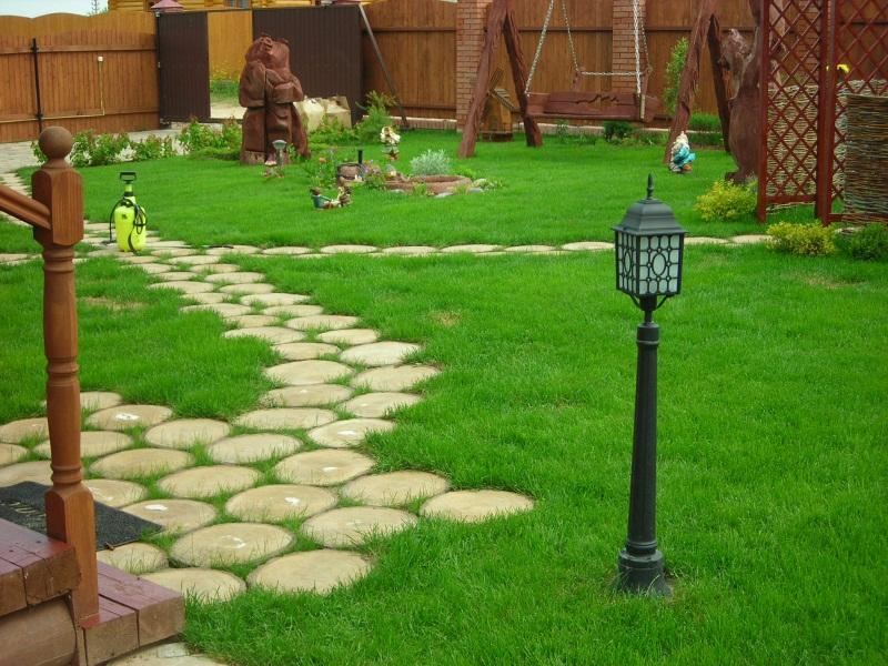 садовая дорожка из древесины 2