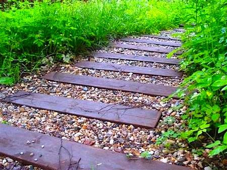 садовая дорожка из древесины