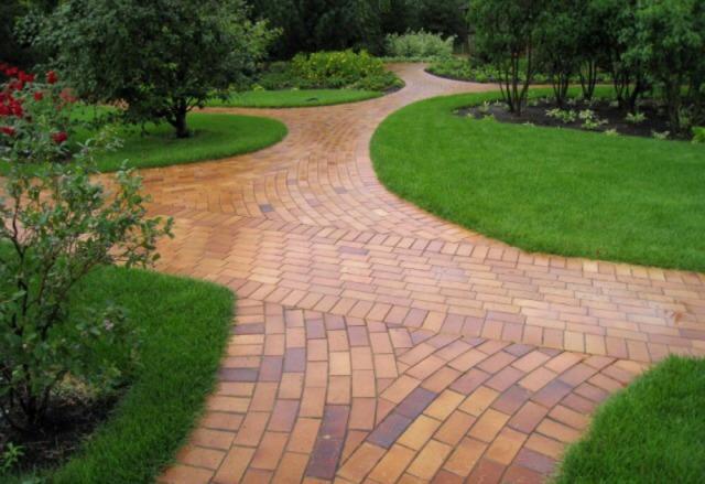 садовая дорожка из клинкерного кирпича