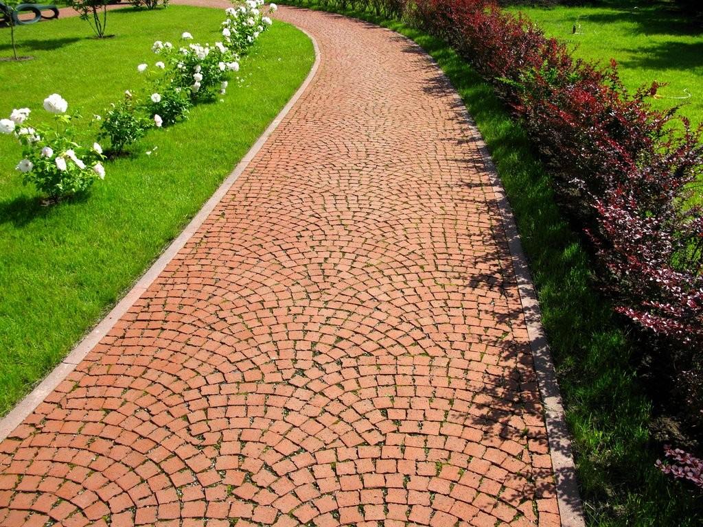 садовая дорожка из клинкерной брусчатки