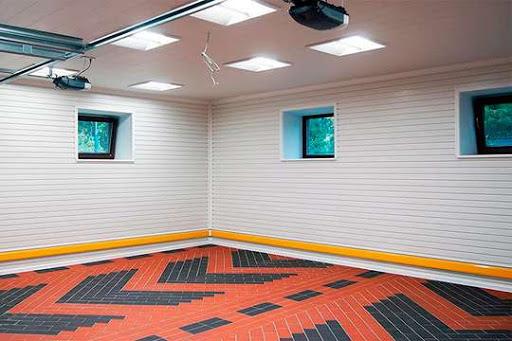 Внутренняя отделка стен гаража ПВХ панелями