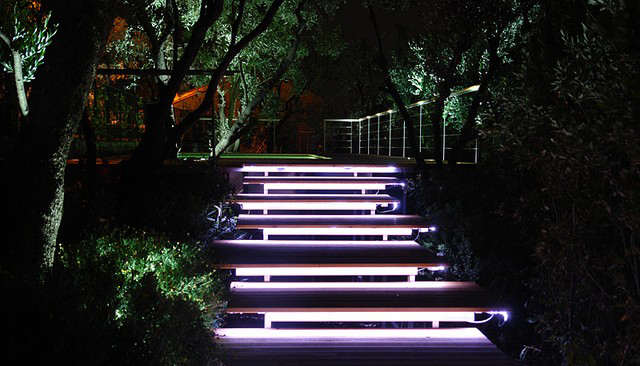 светодиодные ленты для дачного участка