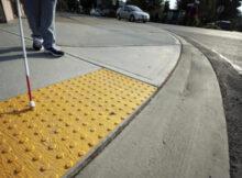 тактильная плитка на улице