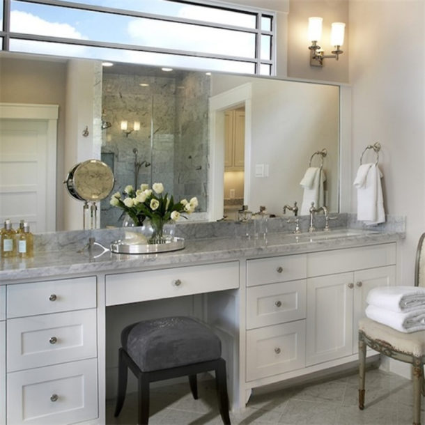 Установить туалетный столик в ванную