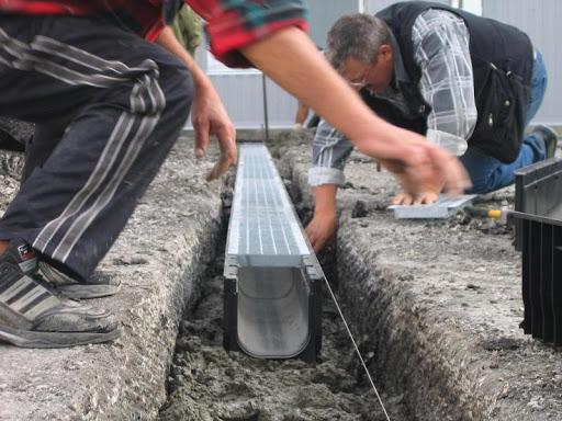 Водоотводные лотки: 10 советов по выбору и установке