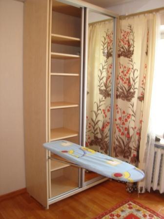 Гладильная доска встроенная в шкаф