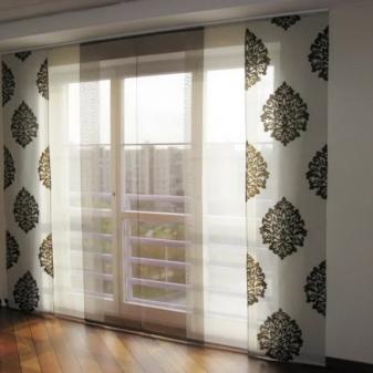 Какие шторы на балкон выбрать: виды, цвет, советы