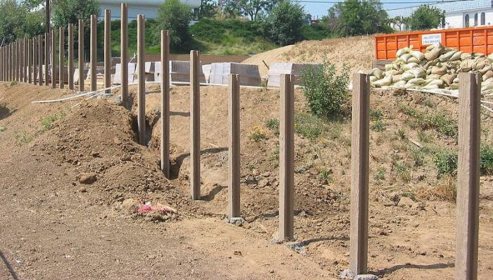 забор для участка фундамент 2